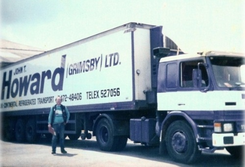 ME LOADING AT ROSS COLD STORE OXFORD 1980s (1)